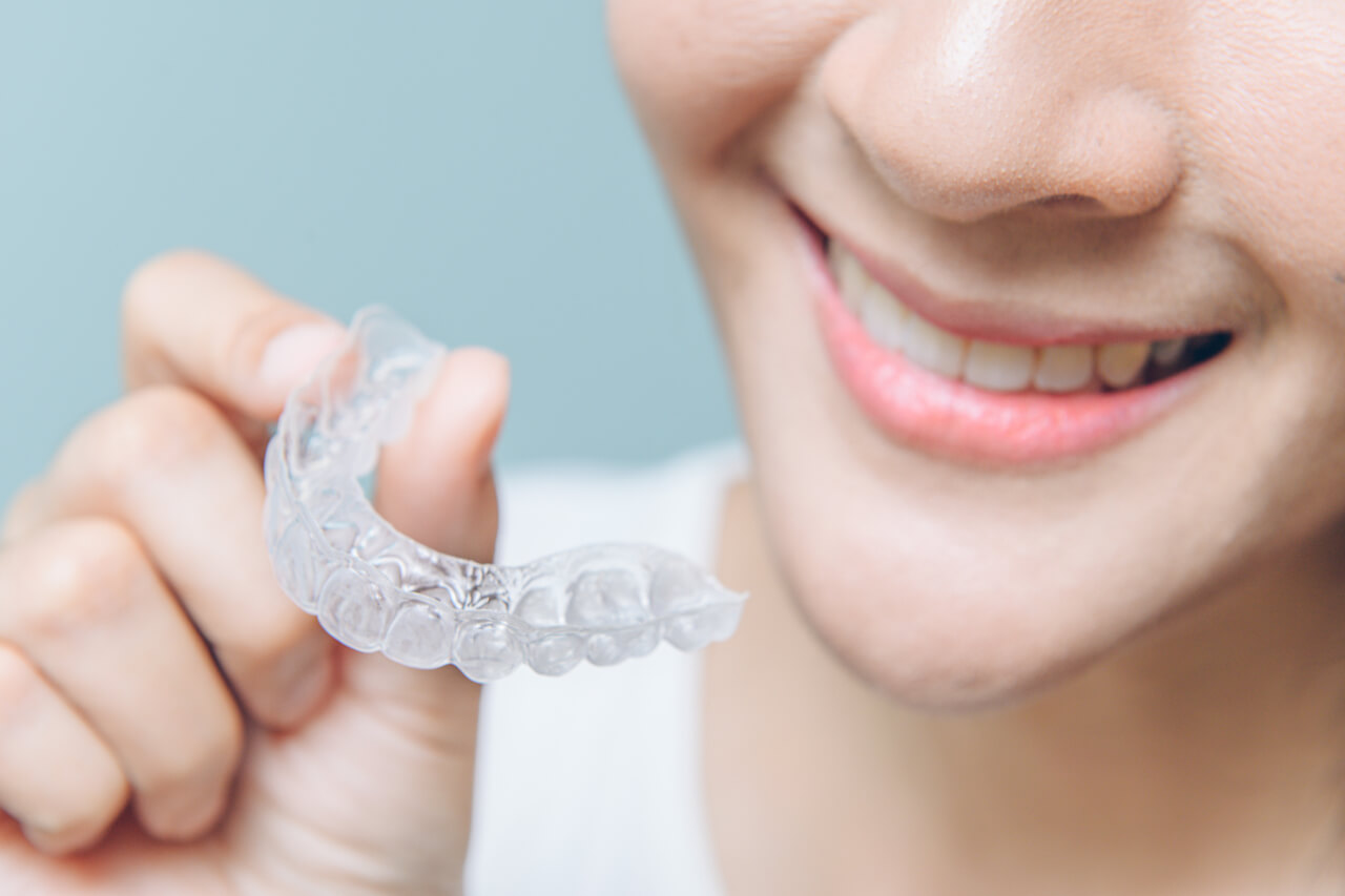 An Experts' Guide On How To Clean Invisalign Aligners