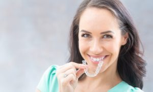 invisalign cleaning uses